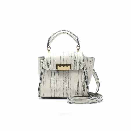 Love this bag, it's perfect for that spring/ summer transition.